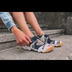 NWOB Nike Air Rift Premium QS toe sneakers
